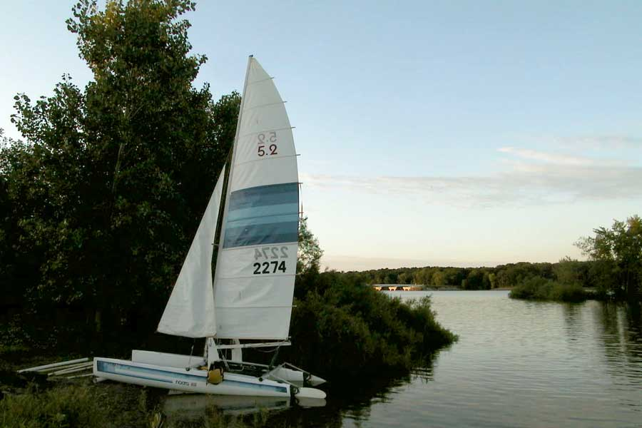 Sail on Hoover Reservoir with your friends